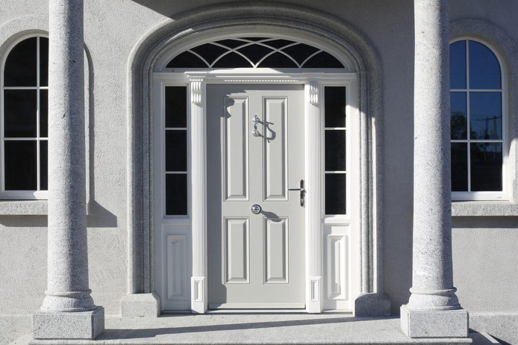 Ross Door in Agate Grey