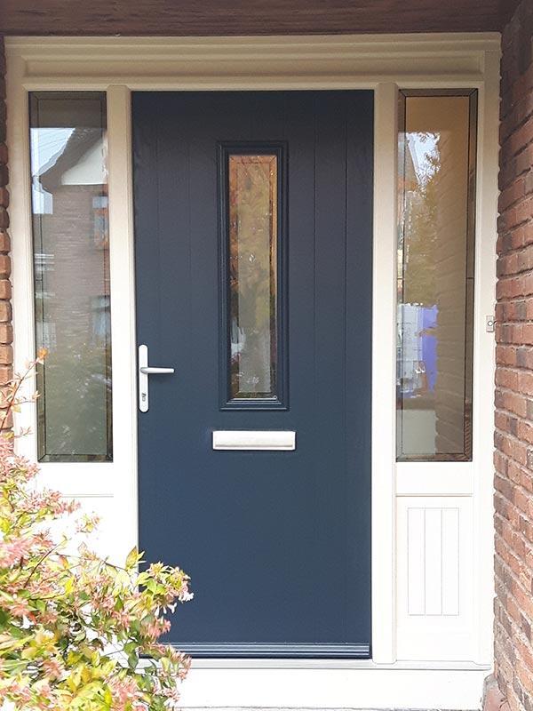 005_frederic-door_blue-grey